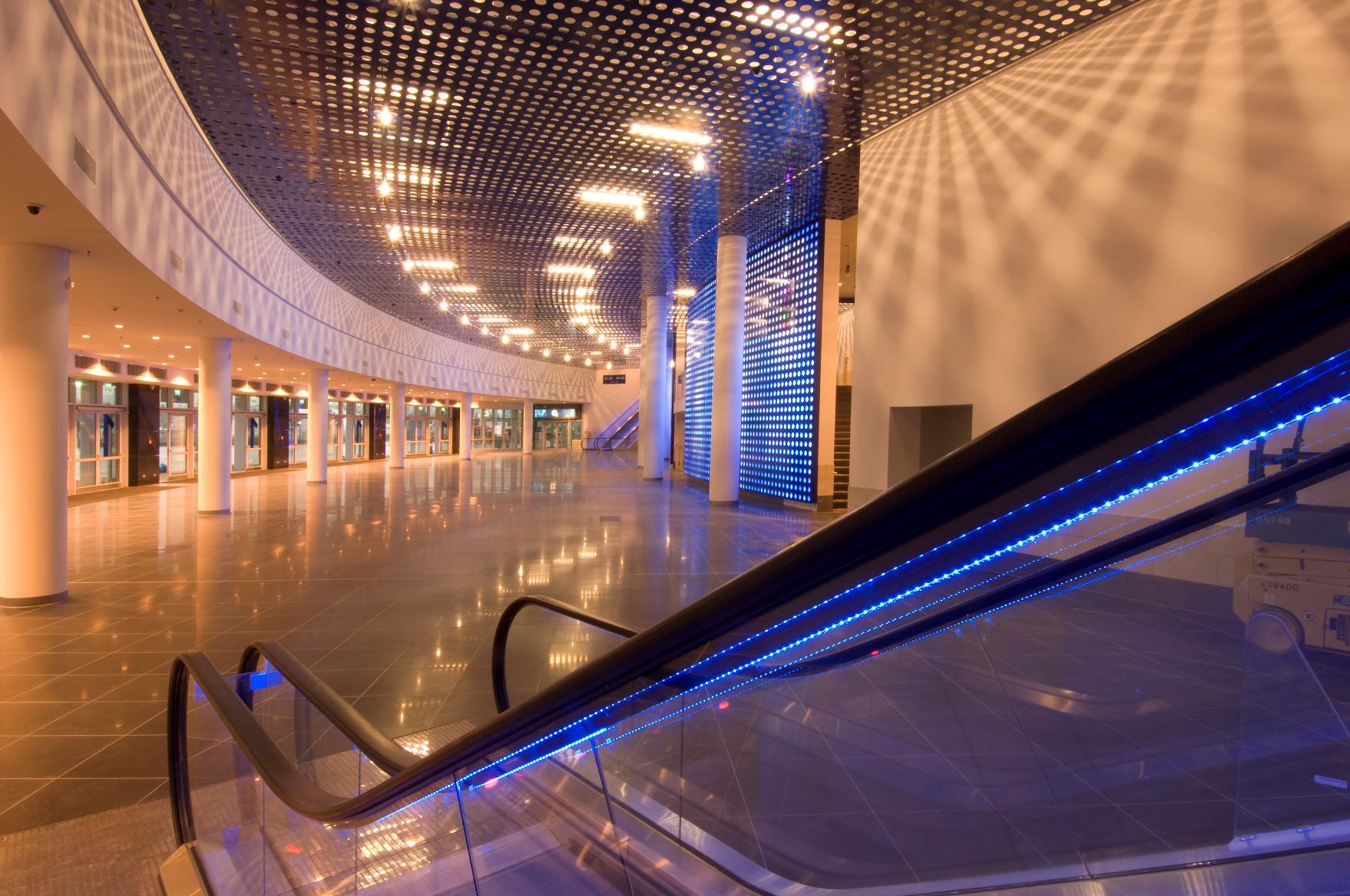Mercedes benz arena berlin caa icon for Mercedes benz arena